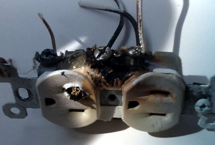 pic of burned electrical outlet