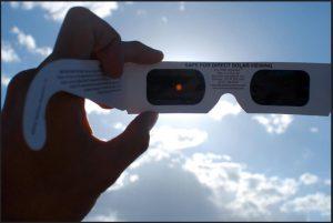 pic of clipse glasses